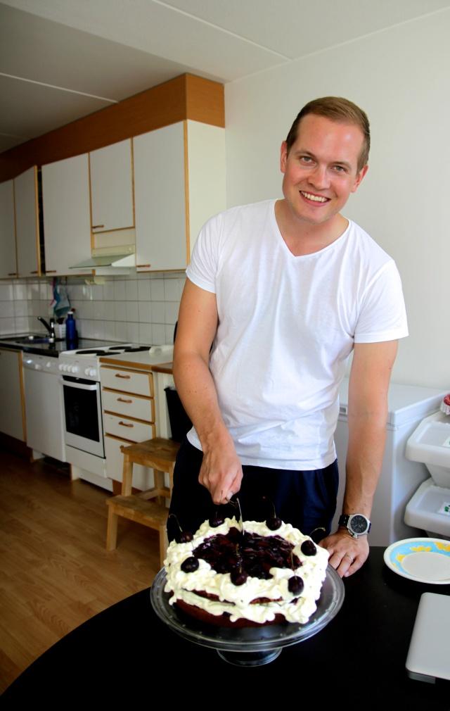 Riku and his cake